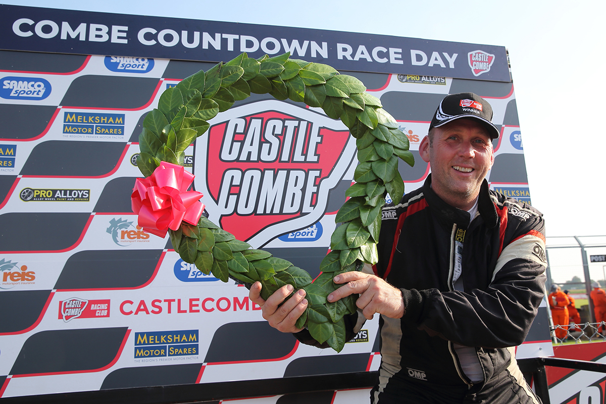 PREBBLE'S RECORD-BREAKING CASTLE COMBE WINS CELEBRATED