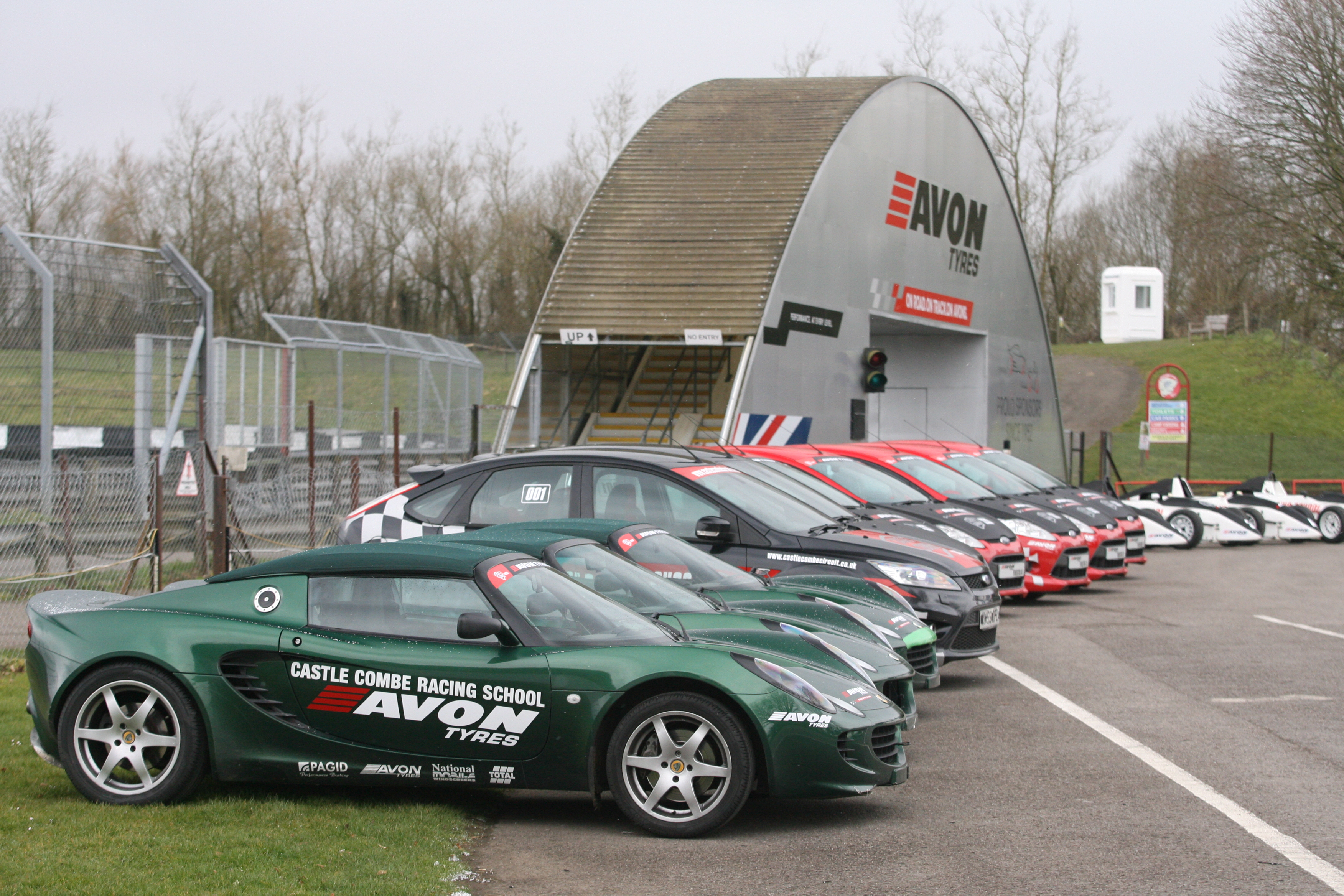 CASTLE COMBE GETS BACK ON TRACK WITH ITS FLEET OF DRIVING EXPERIENCES