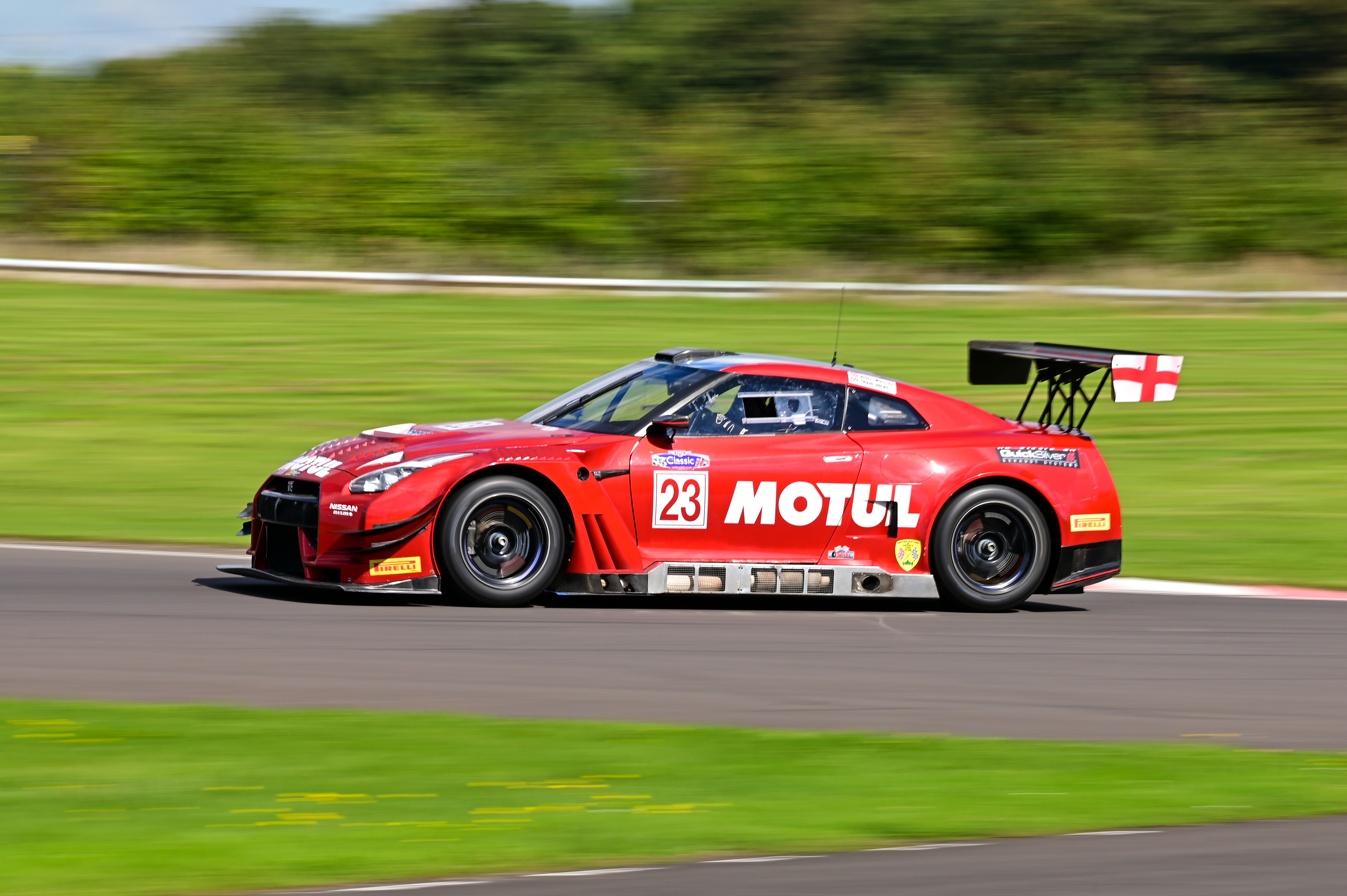 CASTLE COMBE RACE CIRCUIT MAKES MOTUL ITS OFFICIAL LUBRICANT PARTNER